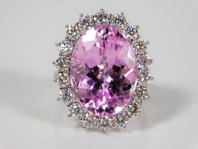 An 18ct kunzite diamond ring