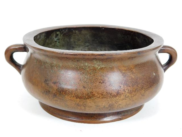 A good quality Chinese bronze censer with six character Xuande mark to base