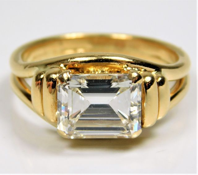 18ct gold emerald cut approx. 3.25ct diamond solitaire ring