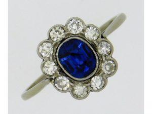 Platinum sapphire & diamond ring £200-300