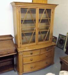 19thC. pine dresser £460