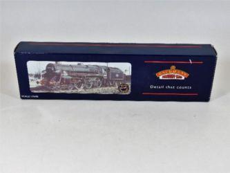 00 gauge model train sold £110