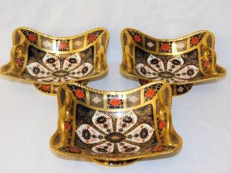 Three Royal Crown Derby Imari 1128 baskets sold £1300